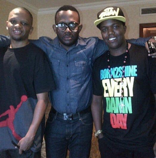 MwanaFA & AY ft. J.Martins – Bila Kukunja Goti_GetMziki